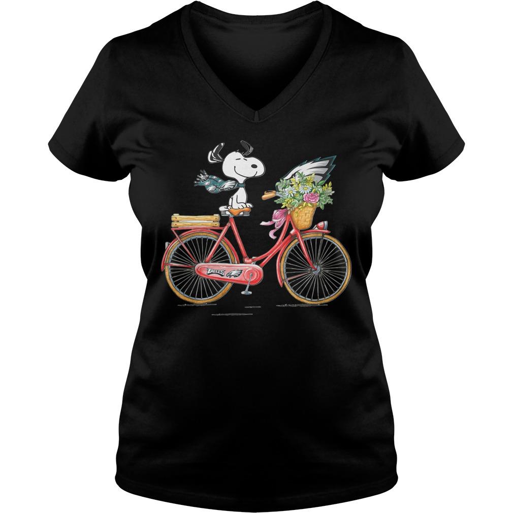 Philadelphia Eagles Snoopy Riding A Bicycle V-neck T-shirt