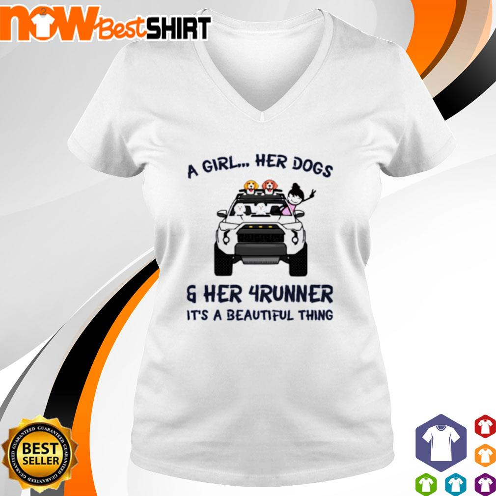 Corgi a girl her dogs her Jeep It's a beautiful thing s v-neck-t-shirt