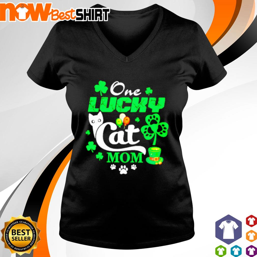 One lucky Cat mom St. Patrick's Day s v-neck-t-shirt