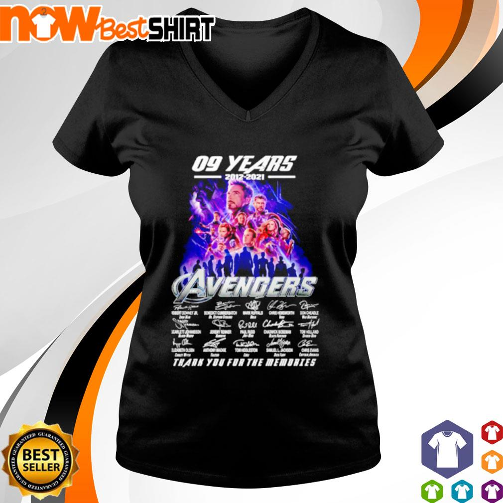 09 Years 2012 - 2021 Avengers thank you for the memories signatures s v-neck-t-shirt